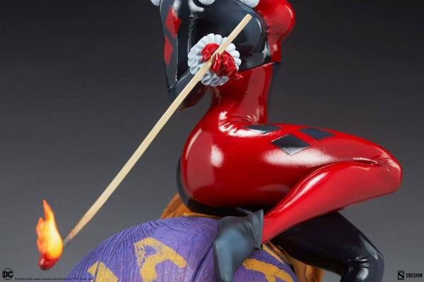 DC Comics: Harley Quinn and The Joker 35 cm Diorama - Sideshow Collectibles