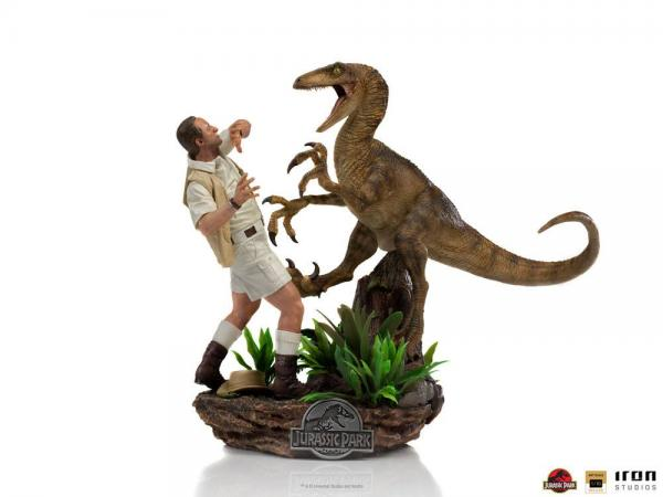 Jurassic Park: Clever Girl 1/10 Deluxe Art Scale Statue - Iron Studios