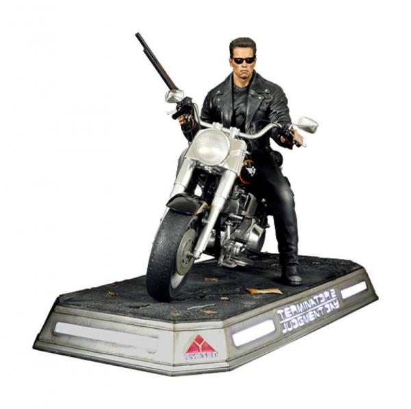 Terminator 2: Judgment Day Statue 1/4 T-800 on Motorcycle Signature Edition 50 cm