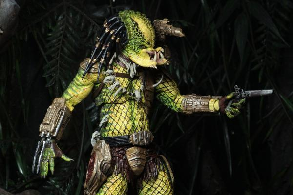 Predator 1718 Elder: The Golden Angel - Figure 21 cm - Neca