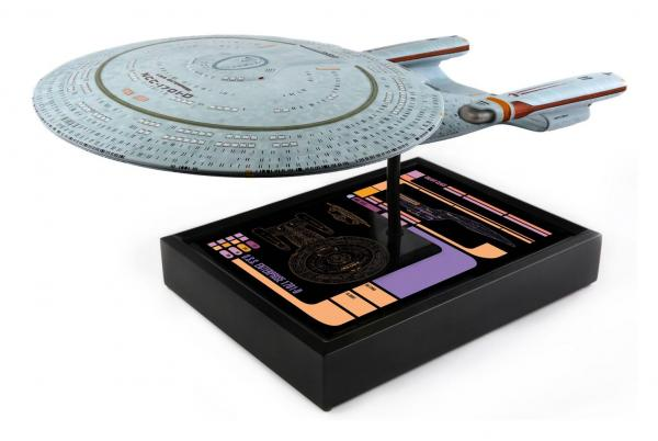 Star Trek Replica 1/1000 USS Enterprise NCC-1701-D