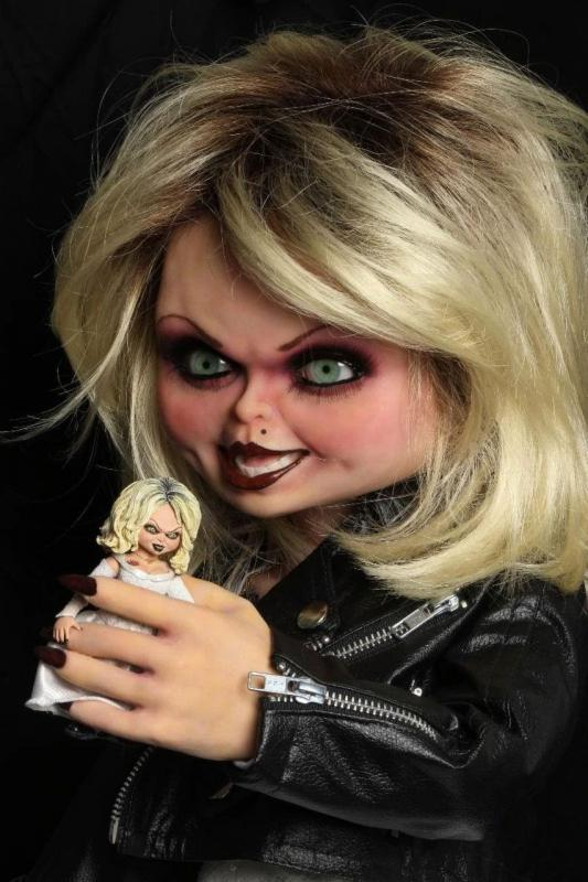 Bride of Chucky: Tiffany Doll - Prop Replica 1/1 - Neca