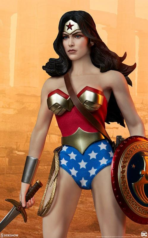DC Comics: Wonder Woman - Figure 1/6 - Sideshow