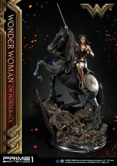Wonder Woman Statue Wonder Woman on Horseback 138 cm