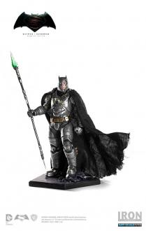 Batman v Superman Statue 1/10 Armored Batman 25 cm